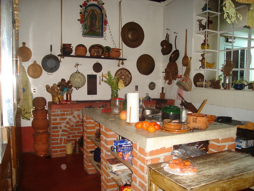 BoligBytte til,Mexico,Uruapan,the kitchen, traditional Purepecha but modern