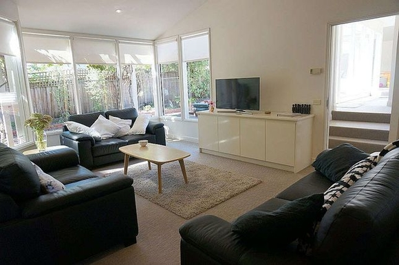 Home exchange in,Australia,Queenscliff,Livingroom