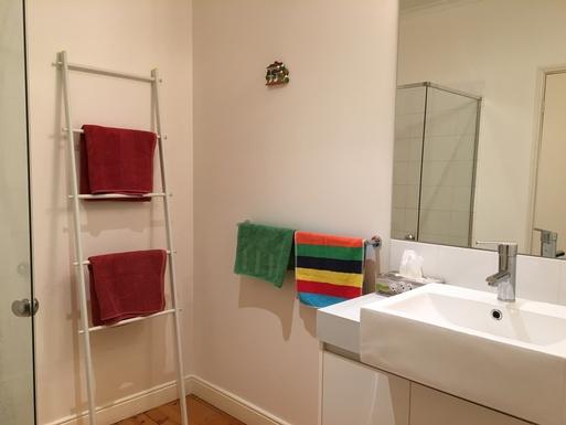 Home exchange in,Australia,Queenscliff,Second Bathroom