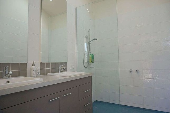 Home exchange in,Australia,Queenscliff,Third Bathroom