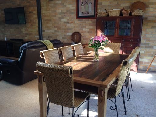 Home exchange in,Australia,COFFS HARBOUR,Upstairs dining area