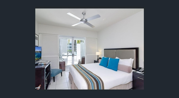 Home exchange in,Australia,PALM COVE,Second Bedroom, spa, balcony, swimming pool