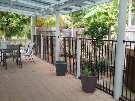 BoligBytte til,Australia,Magnetic Island,Outdoor dining - back tropical garden view