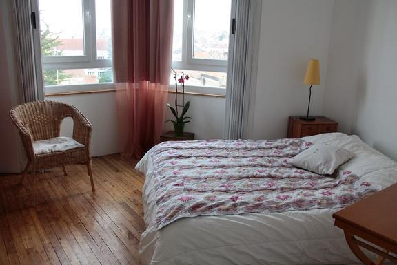 BoligBytte til,France,Angouleme, km, 0,first bedroom: large bed
