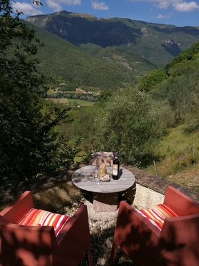 Kodinvaihdon maa Italia,Civitella, Umbria,200 year old converted barn,Home Exchange Listing Image