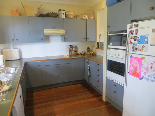 Home exchange in,Australia,Sunshine Beach,Spacious kitchen with bread/coffee maker etc