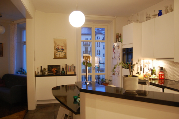 BoligBytte til,Sweden,Stockholm, 0k, S,Kitchen and the entrance to the balcony