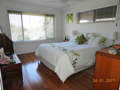Home exchange in,Australia,Margate,Master bedroom at front of house.