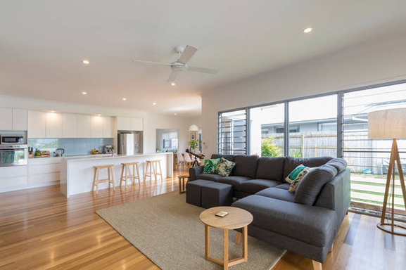 Home exchange in,Australia,MOUNT COOLUM,Open plan air-conditioned kitchen, lounge, dining