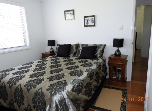 Home exchange in,Australia,Margate,Second bedroom with queen bed.