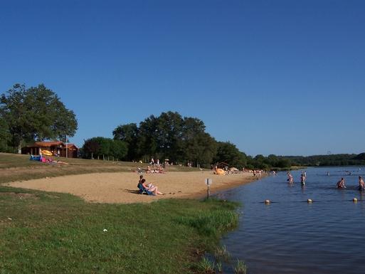 BoligBytte til,France,St Mathieu,Vidiex lake beach park
