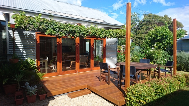 """Home exchange in,Australia,PORT ELLIOT,Garden sitting area with entrance to the """"Barn"""""""