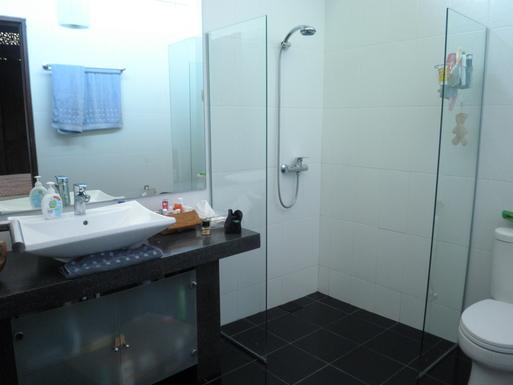 Home exchange in,Indonesia,Legian,Bathroom 1