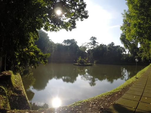 Home exchange in,Indonesia,Legian,Wunderschöner See  -  bei einer Tempelanlage