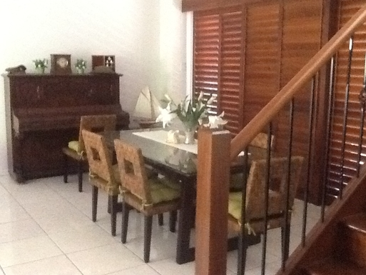 Home exchange in,Australia,Gold Coast,Dining Room