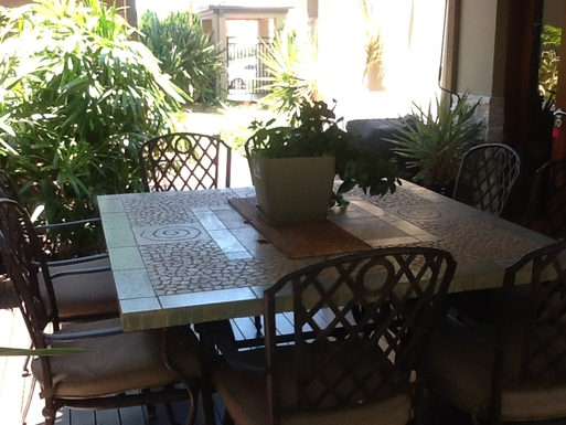 Home exchange in,Australia,Gold Coast,Outdoor dining area