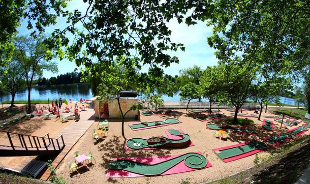 BoligBytte til,France,Abrest-Vichy,The riverbanks in summer