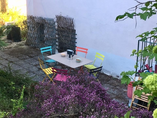 BoligBytte til,France,Abrest-Vichy,Ready for colorful outdoor summer meals