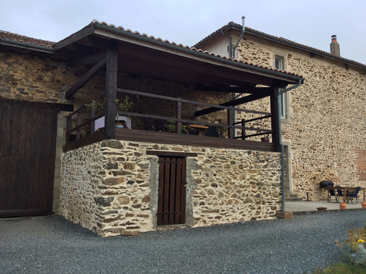 BoligBytte til,France,Oradour Sur Vayres,Decking, BBQ area and barn (garage)