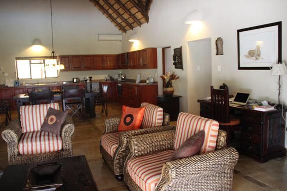 BoligBytte til,South Africa,Hoedspruit,Livingroom