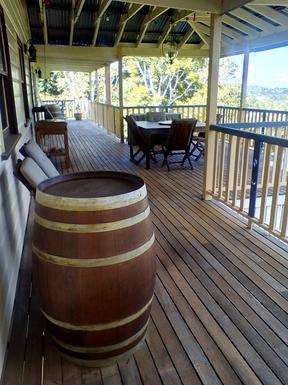 Home exchange in,Australia,Tamborine Mountain,Upper deck on west side