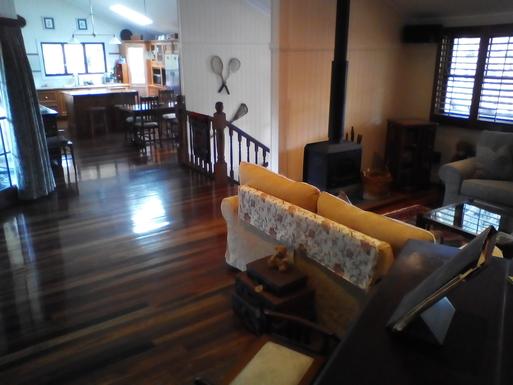 Home exchange in,Australia,Tamborine Mountain,From piano to kitchen