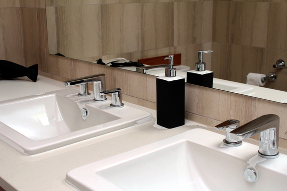 Home exchange in,Australia,Airlie Beach,Bathroom - quality accessories