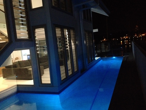 Home exchange in,Australia,Townsville,Pool at night