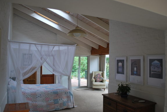 BoligBytte til,South Africa,Somerset West,Main Bedroom with doors onto another patio