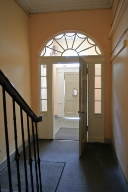 BoligBytte til,United Kingdom,Edinburgh,Main door and hallway