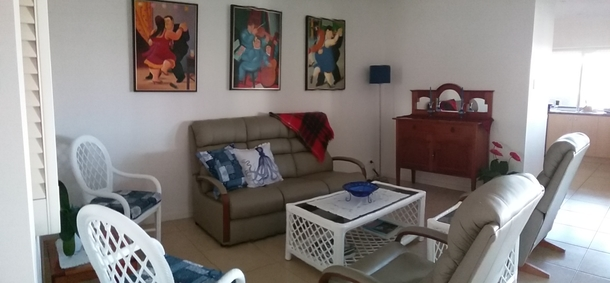 Home exchange in,Australia,RUNAWAY BAY,The lounge area
