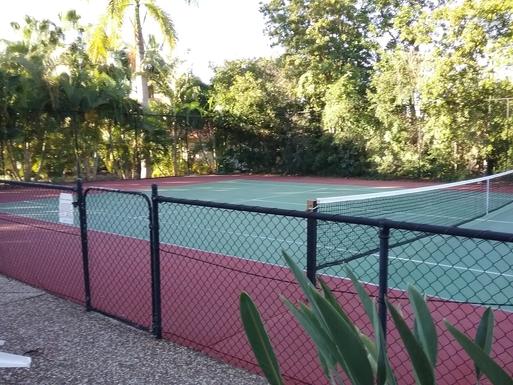 Home exchange in,Australia,RUNAWAY BAY,The complex has a tennis court