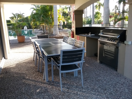 Home exchange in,Australia,RUNAWAY BAY,The community barbecue area