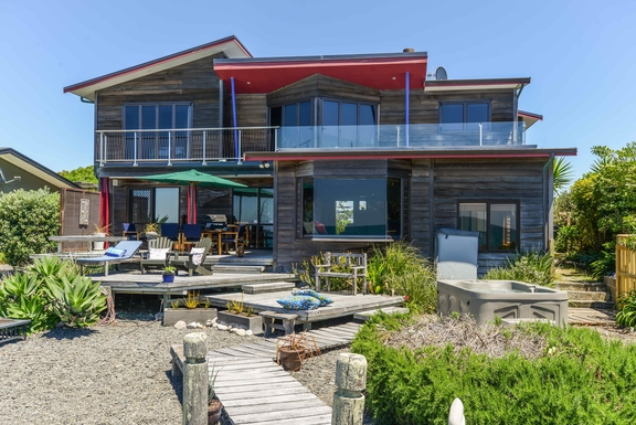 Kodinvaihdon maa Uusi-Seelanti,Napier, Hawkes Bay,Absloute Beach Front Luxury Retreat,Home Exchange Listing Image