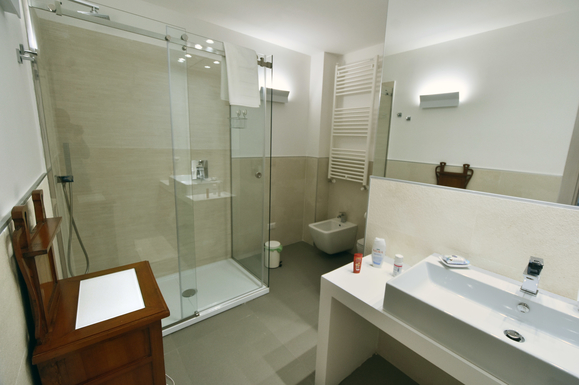 Home exchange in,Italy,Palermo,First bathroom