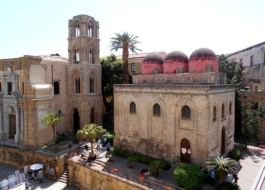 Home exchange in,Italy,Palermo,la Martorana e la chiesa di San Cataldo