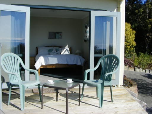 BoligBytte til,New Zealand,Nelson,Guest bedroom. Queen bed, fitted wardrobe & ensuit