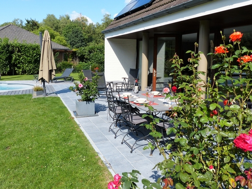 BoligBytte til,Belgium,Villers la Ville,south terrace furnished as summer dining area