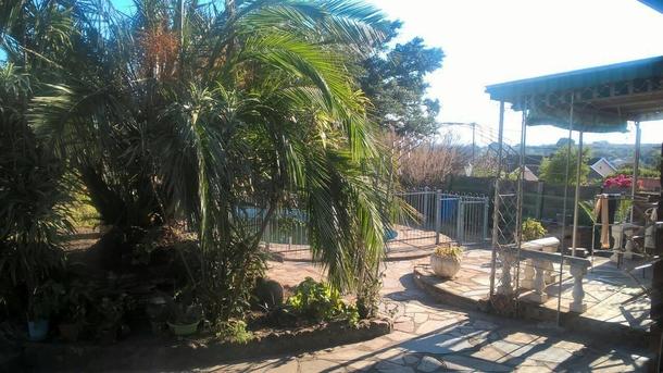 BoligBytte til,South Africa,Pietermaritzburg,Secure pool and separate verandah