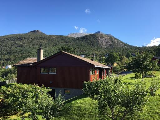 BoligBytte til,Norway,Bergen, 110k, SE,House with Gygrastol (1349)  in the back.