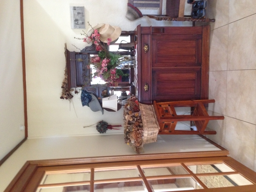 Home exchange in,Australia,CHIFLEY,Front entry