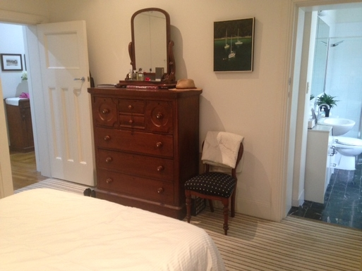 Home exchange in,Australia,Kirribilli, Sydney,Main bedroom