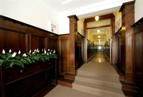 Home exchange in,Australia,Kirribilli, Sydney,Entrance foyer