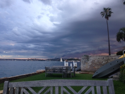 Home exchange in,Australia,Kirribilli, Sydney,Summer thunderstorm passing by Sydney.