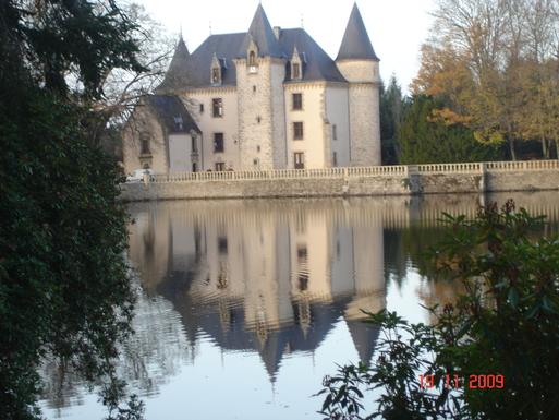 BoligBytte til,France,LIMOGES,a castle, among many others