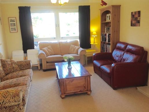 BoligBytte til,United Kingdom,Edinburgh,Living room- front half