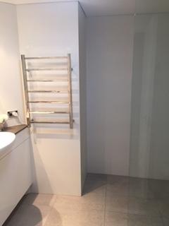 Home exchange in,Australia,KIRRIBILLI,Ensuite walk in shower