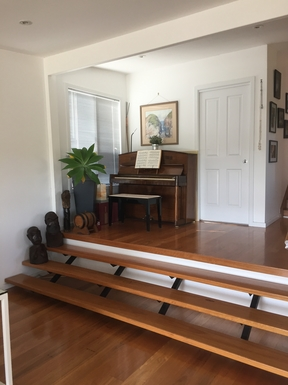 Home exchange in,Australia,DALEYS POINT,Piano alcove