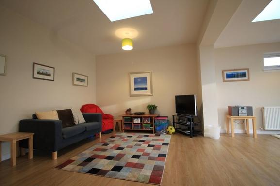 BoligBytte til,United Kingdom,Edinburgh,Living room