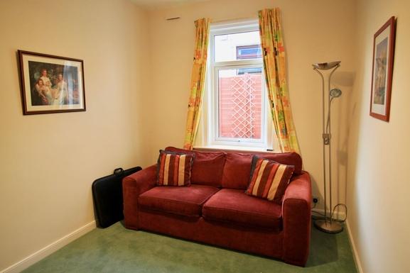 BoligBytte til,United Kingdom,Edinburgh,Study with sofa bed